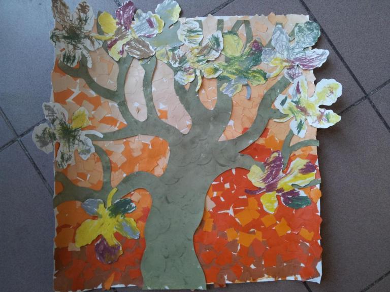 petite section collage l'arbre en automne