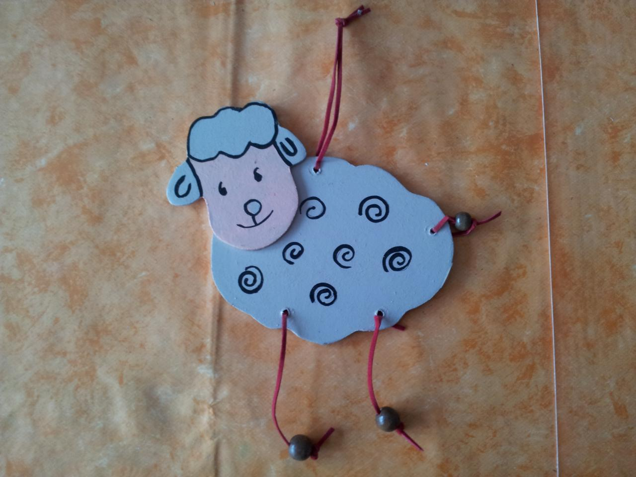 mouton en bois découpé