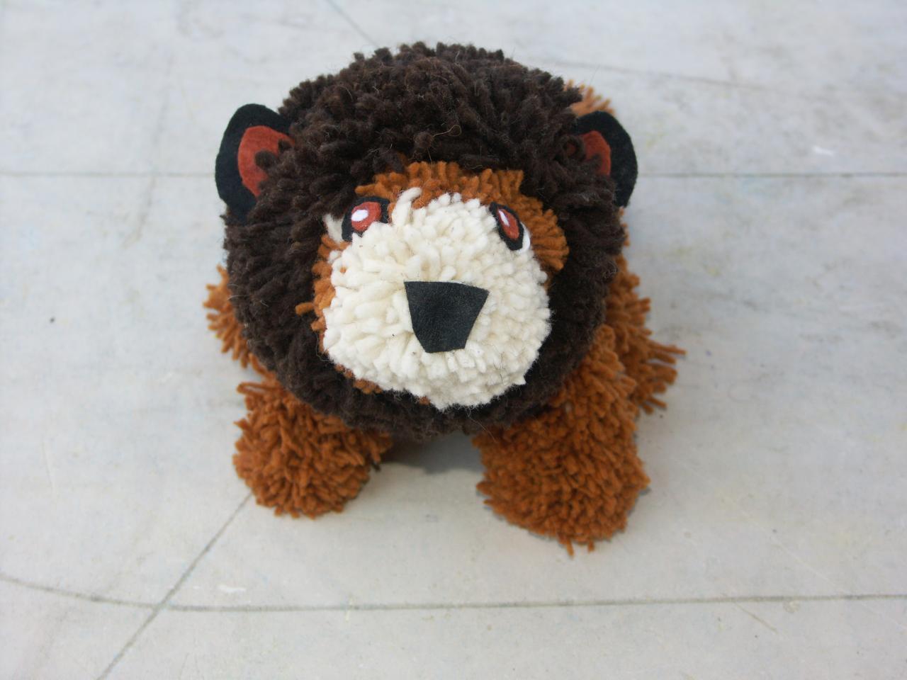 lion en pompons