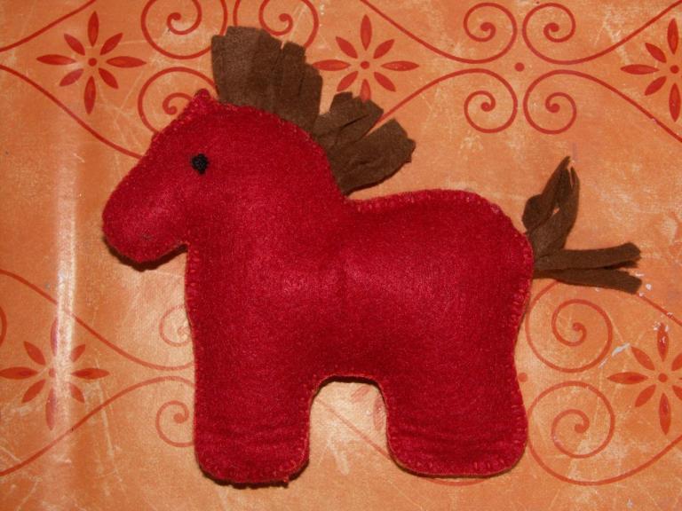 cheval en feutrine